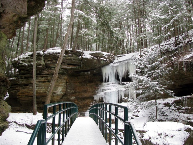 old man's cave in hocking hills, oh